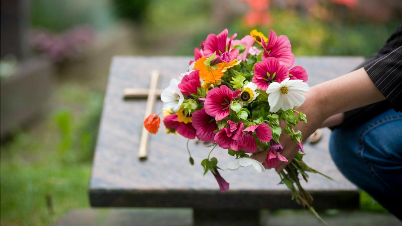 How to Plan a Cremation Service for You or a Loved One